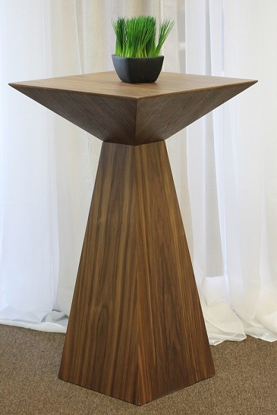 WOODEN-EURO-TABLE
